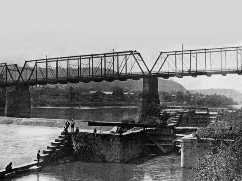 Rochester-Pa-Big-Beaver-River-Bridge-Girard-Locks.jpg